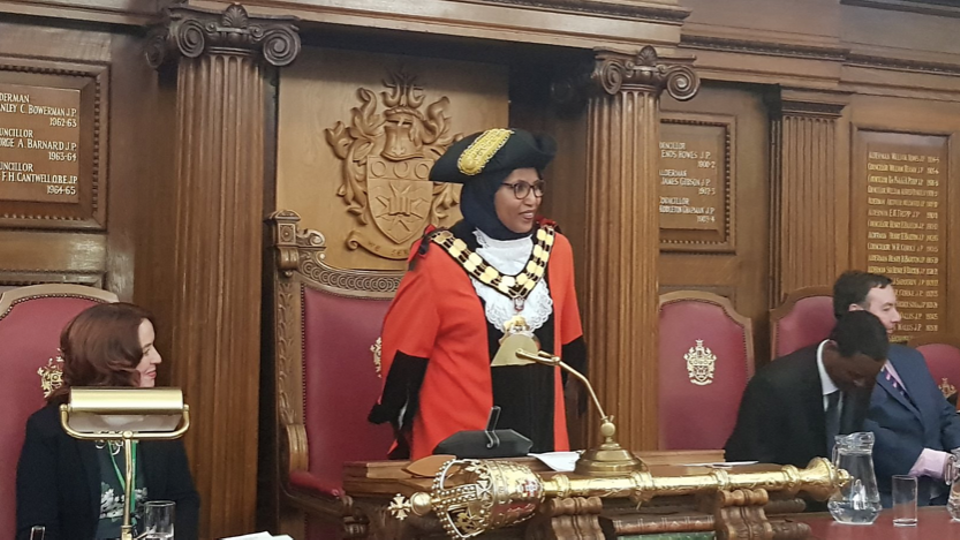 UK's first hijab-wearing mayor quits from Labour over racism