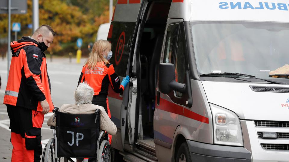 Poland's 10,040 new cases push health system to the limit – latest updates