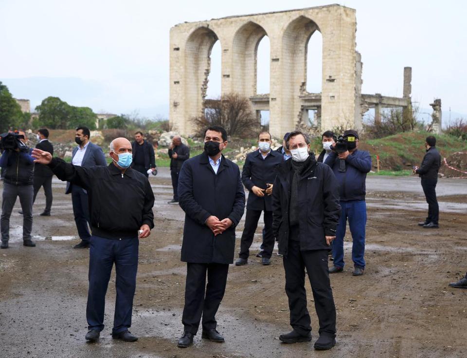 Türkiye İletişim Müdürü Bahredin Alton'a göre, Akhtam'ın ziyareti Karabağ'ın zaferinin kapsamını açıklığa kavuşturdu, ancak harap şehirleri görmekten üzüntü duydular.