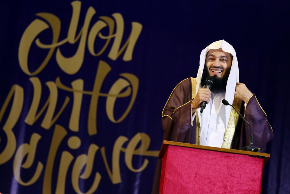Prominent Islamic scholar Mufti Ismail Menk says Omar and Hana have done a better job at reaching out to children than his own efforts.