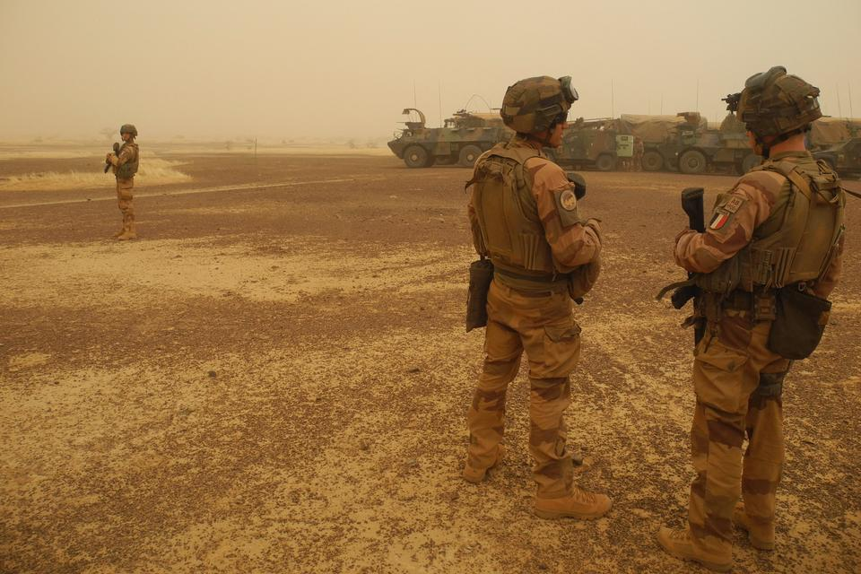 What prompted a 'coup within a coup' in Mali?