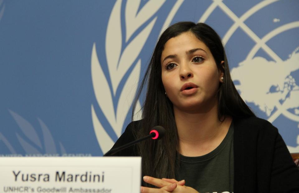 Η Συρία Ολυμπιακή κολυμβητής Γιούσρα Μαρντίνι, η οποία κολύμπησε στην Ελλάδα από την Τουρκία, δίνει συνέντευξη Τύπου αφού ήταν Πρέσβης Καλής Θέλησης της Ύπατης Αρμοστείας στο Γραφείο των Ηνωμένων Εθνών στη Γενεύη της Ελβετίας στις 27 Απριλίου 2017.
