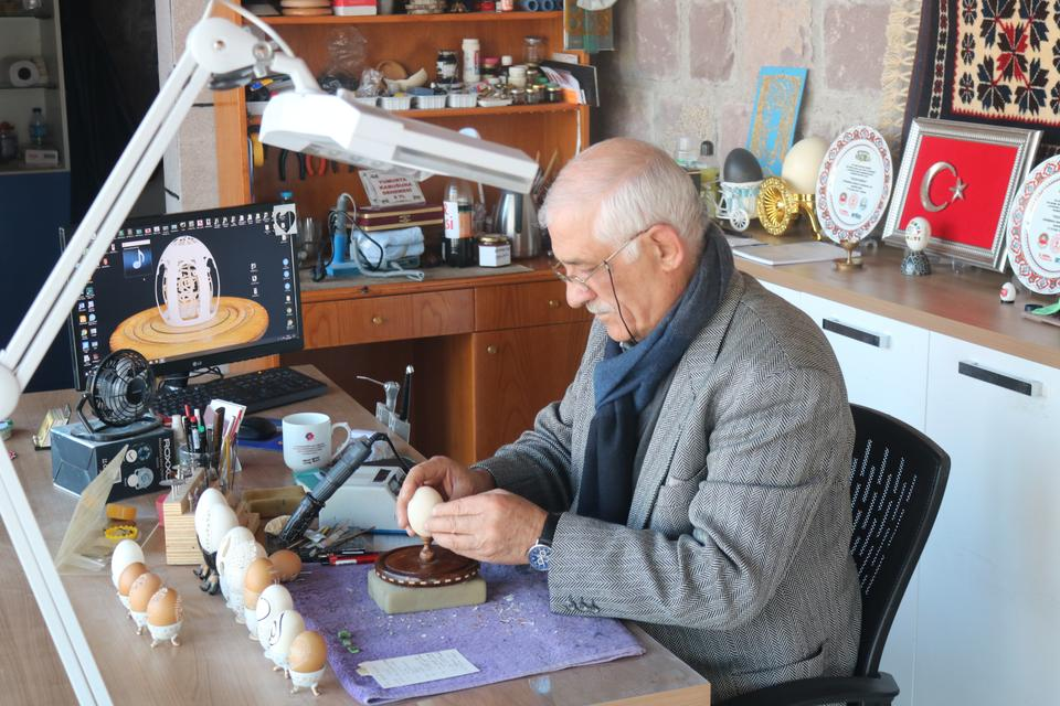 Hamit Hayran in his studio on Sevgi Cicegi Sanat Sokagi, Golbasi, Ankara.