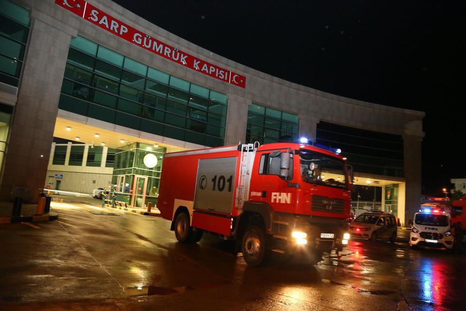 A team from Azerbaijan entered Turkey to support the fight against forest fires.