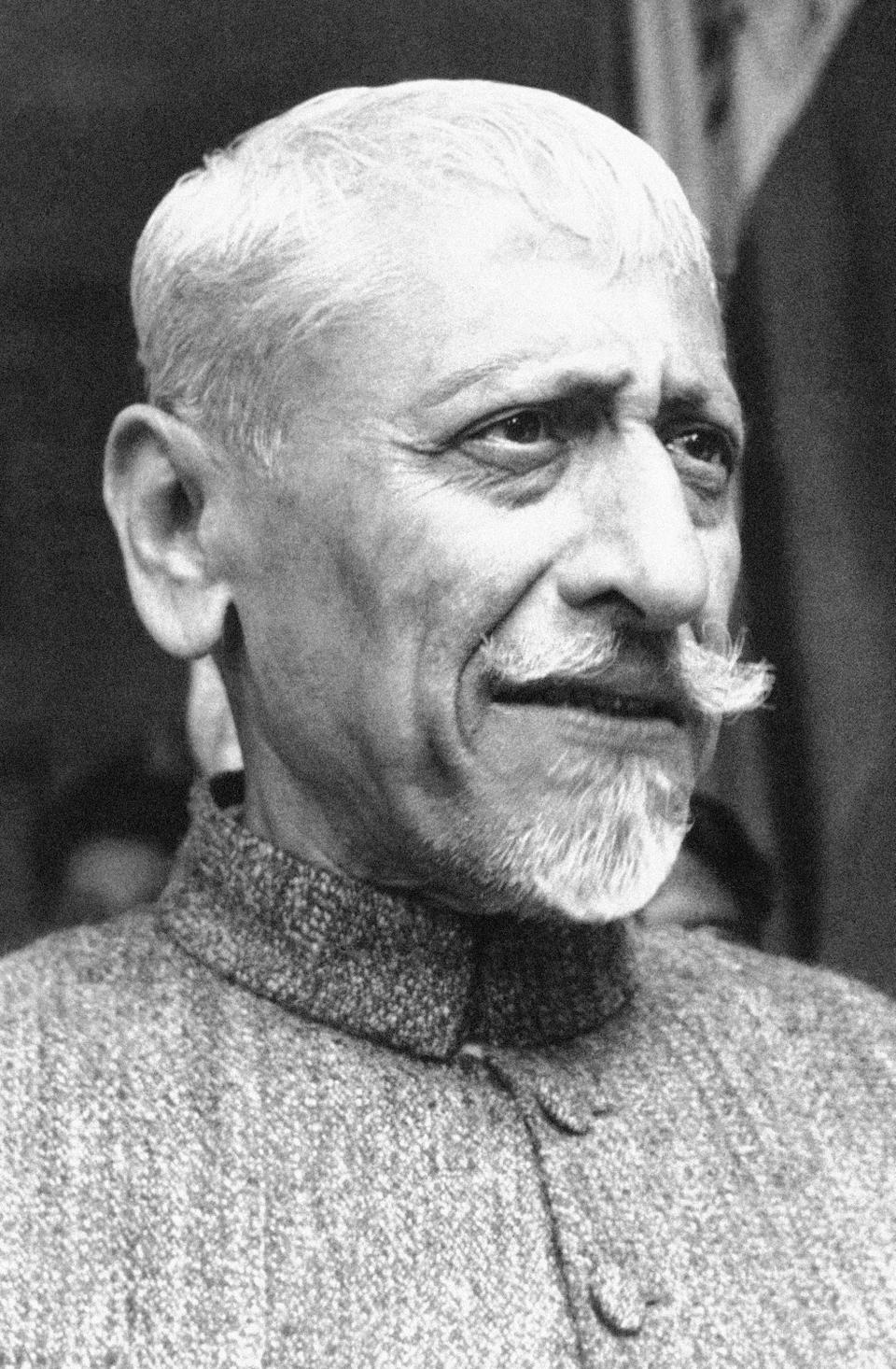 Maulana Abul Kalam Azad proposed the idea of a shared nation with a genuine consensus between Congress and Muslim League, but his plan failed.