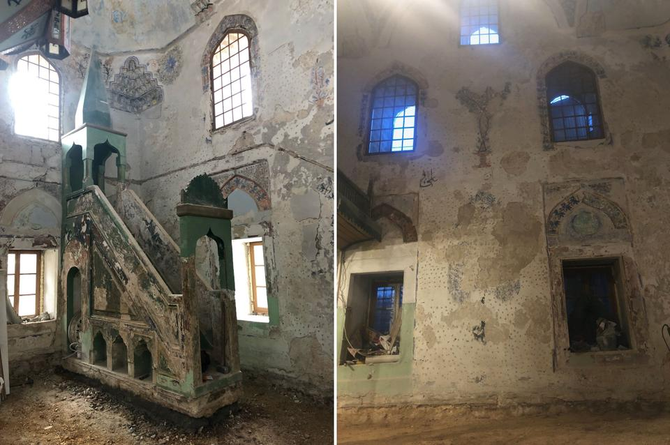 The interior of the Bascarsija Mosque before restoration.