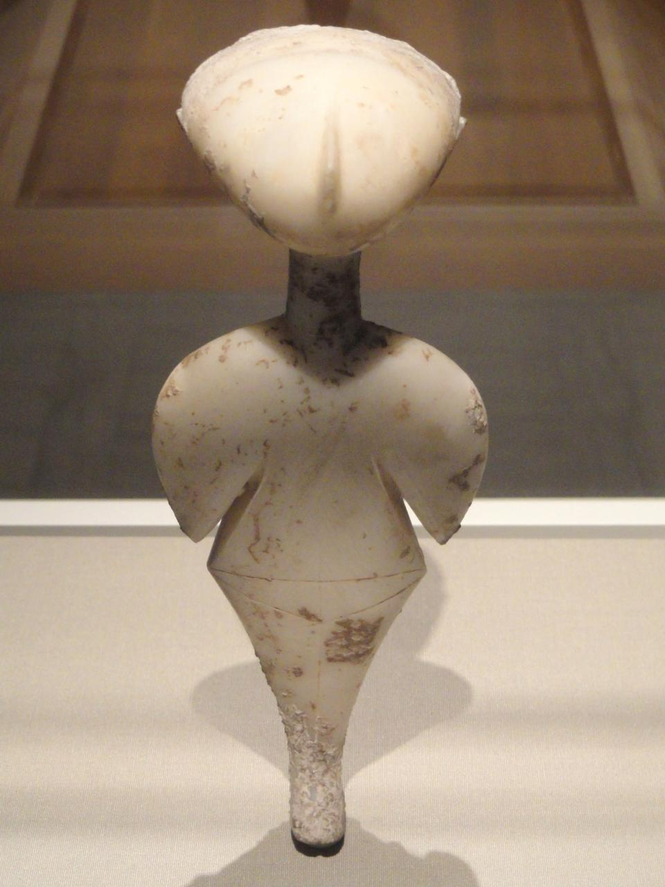 Stargazer, statuette of a woman, about 3,000 BC, photographed at the Cleveland Museum of Art.