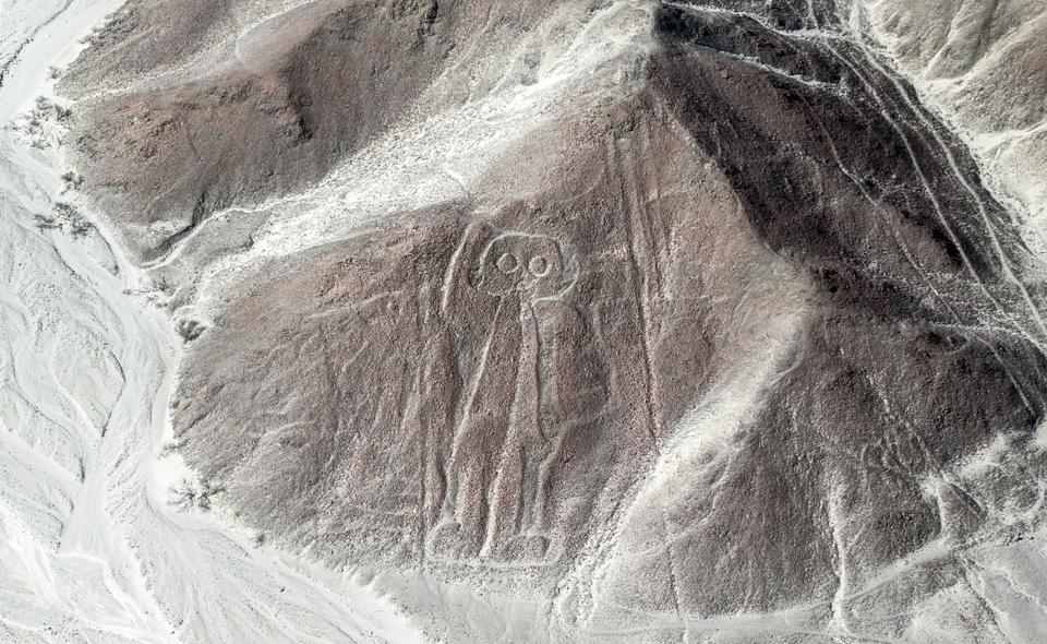 Anthropologists believe that the ancient people designed the shapes by removing 12-15 inches of rock and digging deep to reveal the lighter-coloured sand below to make the figures visible in the region covered in a layer of iron oxide-coated pebbles.