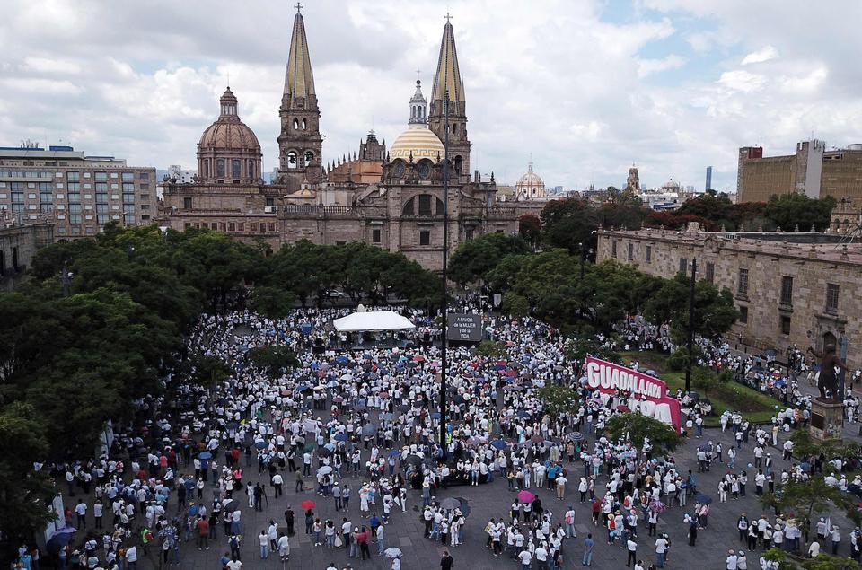 El 3 de octubre de 2021, en Guadalajara, México, miembros de organizaciones civiles y religiosas marcharon durante una campaña antiaborto a nivel nacional.
