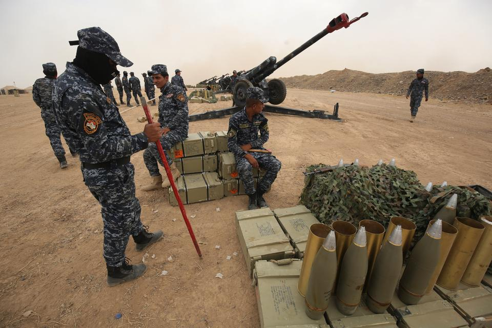 Iraqi forces prepare missiles for the battle over the city of al-Sharqat, as they advance with the support of the Hashd al Shaabi (Popular Mobilisation) largely Shia paramilitaries, to the Daesh-held city of Hawijah in the province of Kirkuk, 300km northwest of Baghdad, on September 20, 2017.