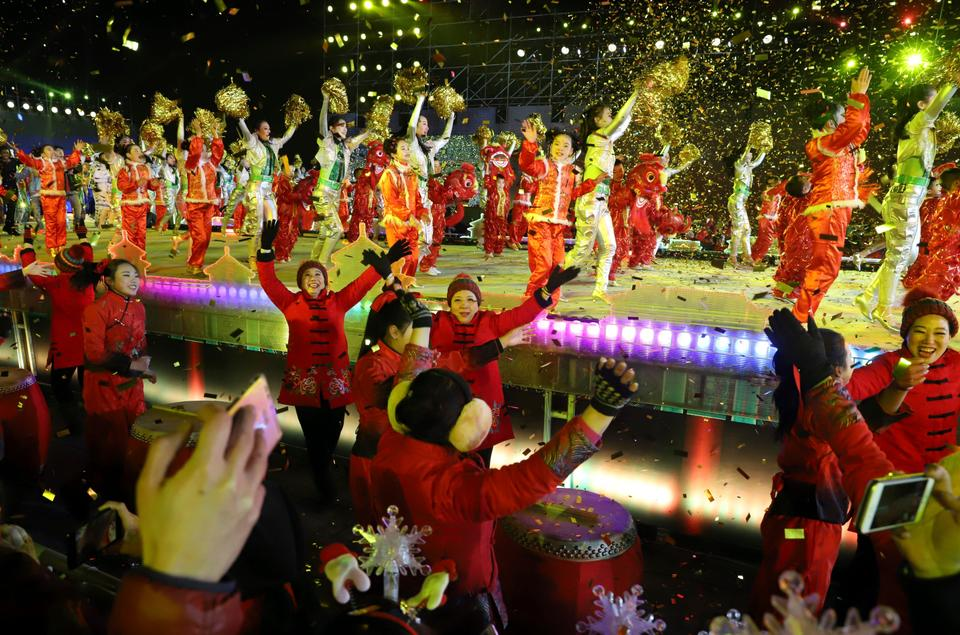 Beijing rang in the New Year after Chinese President Xi Jinping delivered a speech, promising that by 2020 all rural workers will be lifted out of poverty.