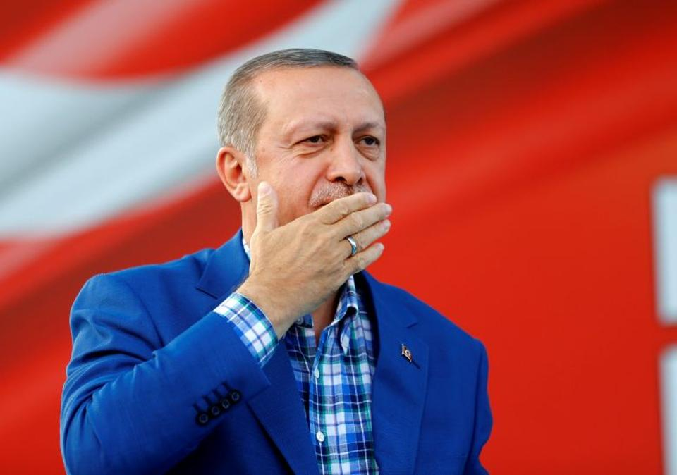 Turkey's President Tayyip Erdoğan greets people at the United Solidarity and Brotherhood rally in Gaziantep, Turkey, August 28, 2016.