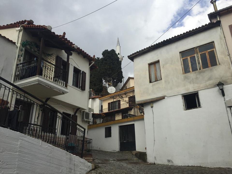 A view of the Ahiryan neighbourhood mosque in Xanthi. Since Western Thrace is the only region with Muslim graveyards, which have specific burial traditions, many Muslims from all over Greece are buried in Western Thrace when they pass away, according to locals.