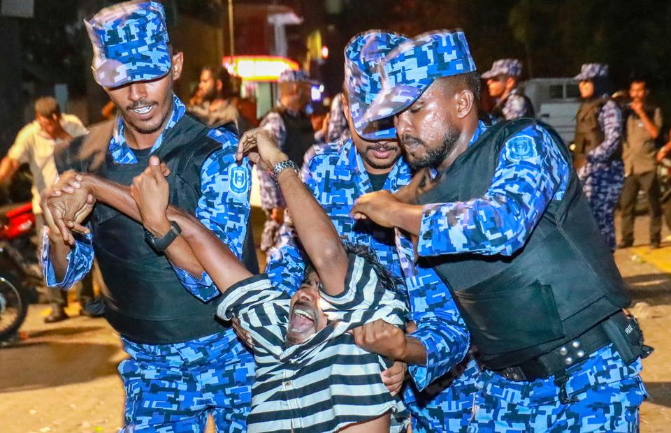 After a Supreme Court ruling was not followed by the government, protesters took to the streets of the capital Male and soldiers in riot gear were deployed to the parliament building to stop lawmakers from meeting. February 2, 2018.