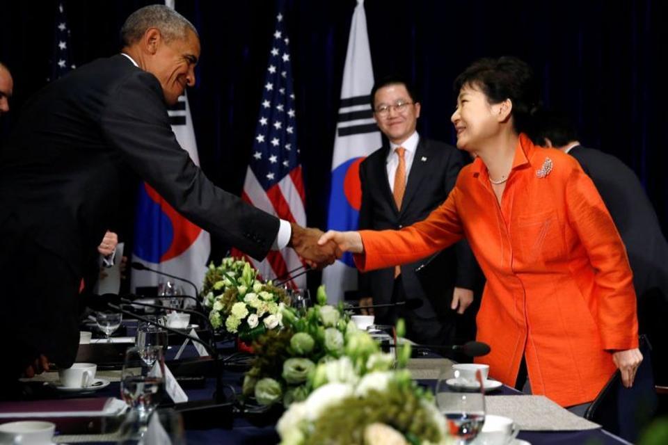 US President Obama met with South Korean President Park Guen-hye on the sidelines of a regional summit in Laos last week.