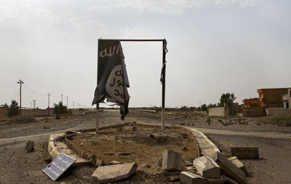 The skies above Qayara are black with the smoke from more than a dozen oil wells set alight by DAESH terrorists attempting to obstruct airstrikes as Iraqi forces pushed into the the town on bank of the Tigris last week and took control of the area Thursday.