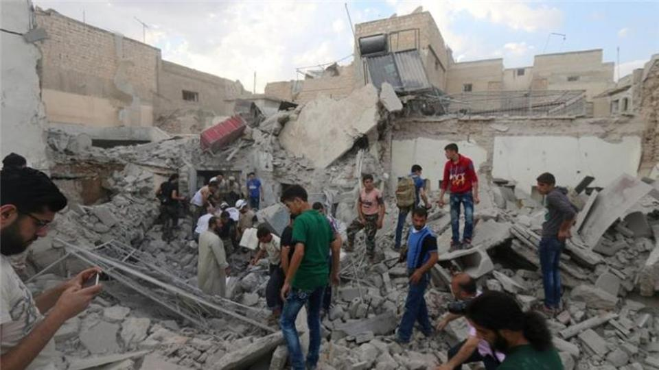 Fighting has continued unabated in the divided city of Aleppo despite a ceasefire