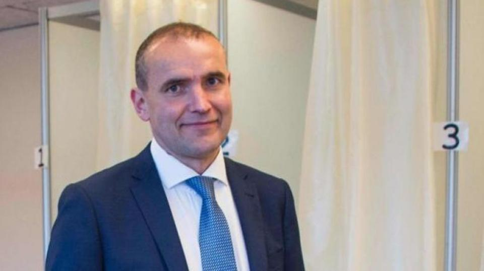 Leaders of the country's political parties were beginning meetings with Iceland's President Gudni Th. Johannesson (above) to hammer out who will form the next government. (AFP/archive)