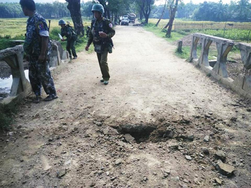 Soldiers have been pouring into northern Rakhine, close to the border with Bangladesh, since the October 9 attack. Maung Nama Taung village, Maungdaw, Rakhine State, Myanmar, November 12, 2016. (AFP)