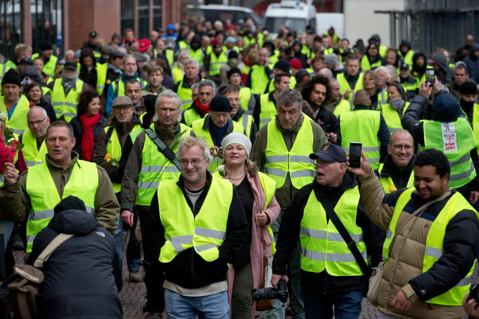 The French yellow vest protest movement crossed borders, with demonstrations in neighbouring Netherlands. (December 8, 2018)