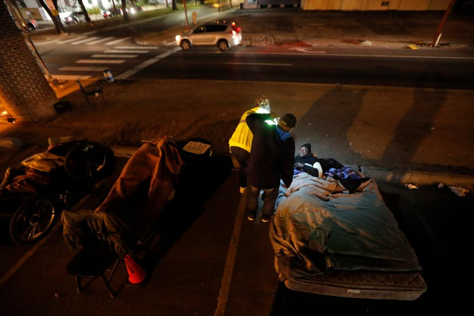 The US law enforcement agencies  struggle to keep up with the number of people newly homeless in various cities.