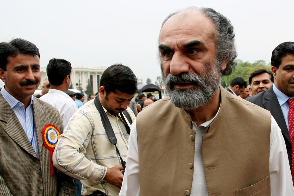 Former Balochistan Chief Minister Aslam Raisani insists Barrack and Antofagasta were not giving his province a fair deal in the Reko Diq mining project.