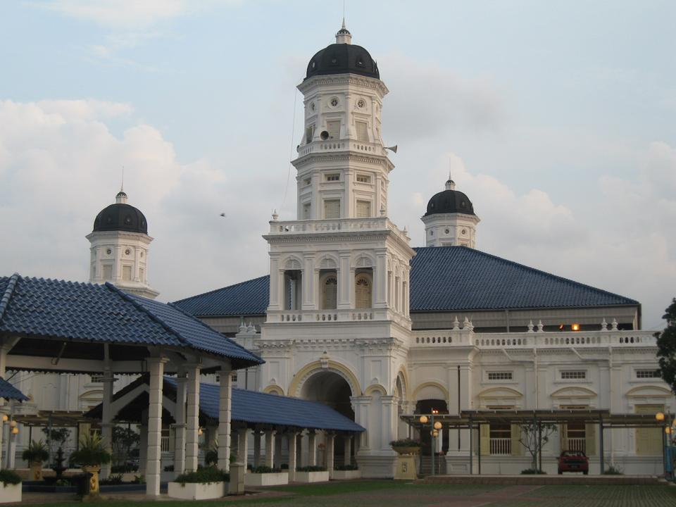 Sultan Abu Bakar State Mosque is the state mosque of Johor, Malaysia.