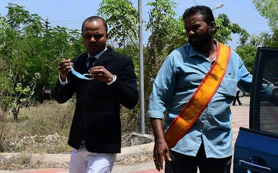 Kovilpatti Judicial Magistrate Bharathidasan, pictured on the left, was called in by the Madras High Court to investigate the Sathankulam Police station.