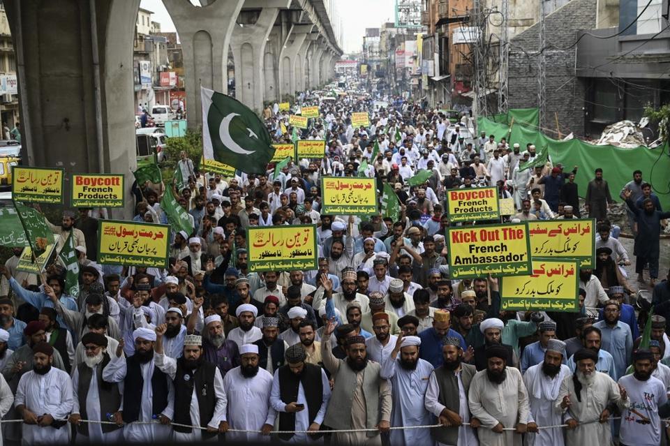 87248_CharlieHebdoprotestPakistan3_15992