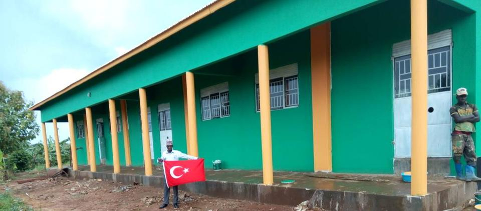 The picture shows the orphanage in Uganda that was built by Turkish volunteers in 2019.